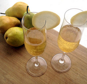 pear champagne cocktail